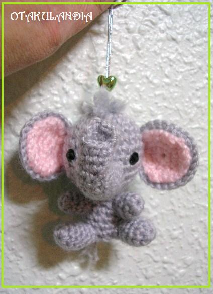 elefante llavero amigurumi-otakulandia.es