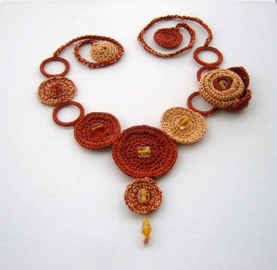 lindo collar crochet-otakulandia.es (43)
