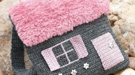 mochila casita crochet-otakulandia.es (1)