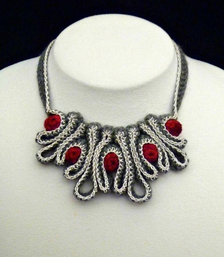 bellas joyas de crochet-otakulandia.es (25)