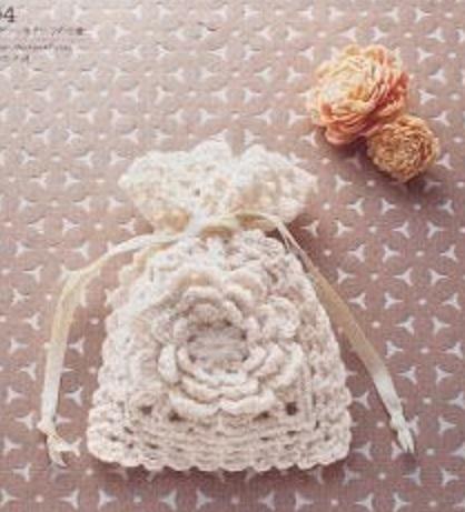 boda recuerdos-souvenirs-bolsa bombones-peladillas-crochet-otakulandia.es (1)