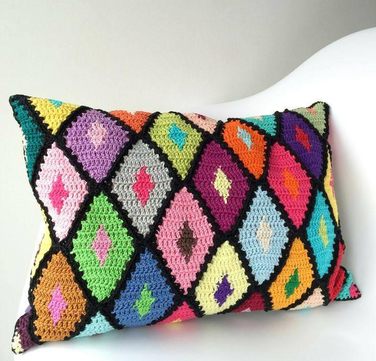 cojines bonitos y practicos crochet-otakulandia.es (19)