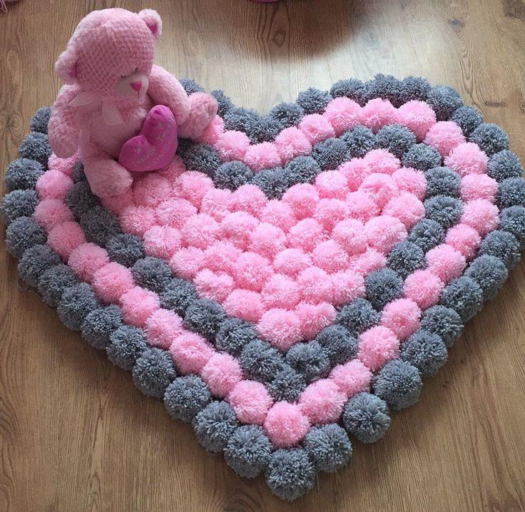 alfombra crochet-pompon-otakulandia.es (1)