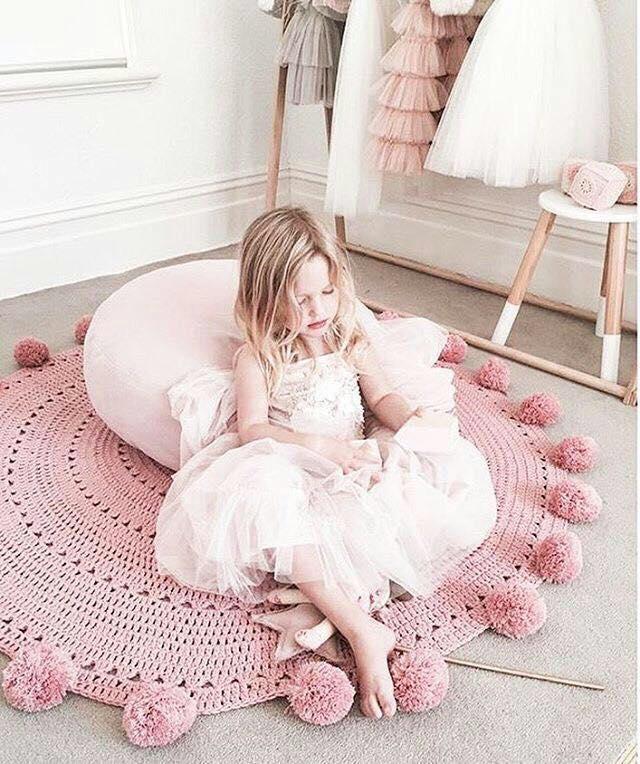 alfombra crochet-pompon-otakulandia.es (10)
