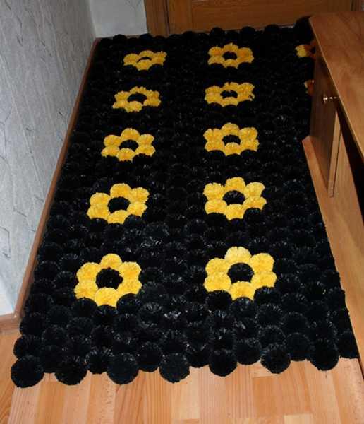 alfombra crochet-pompon-otakulandia.es (11)