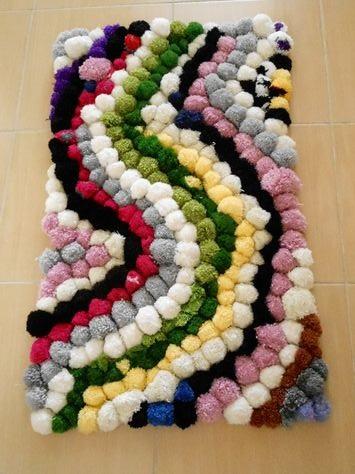 alfombra crochet-pompon-otakulandia.es (20)