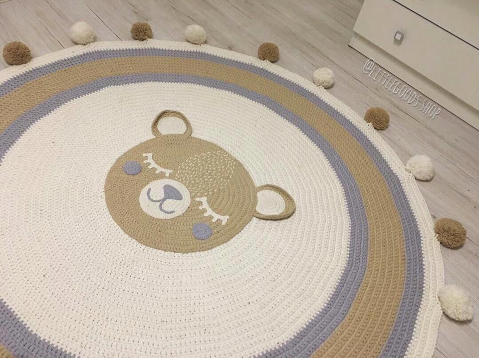alfombra crochet-pompon-otakulandia.es (3)
