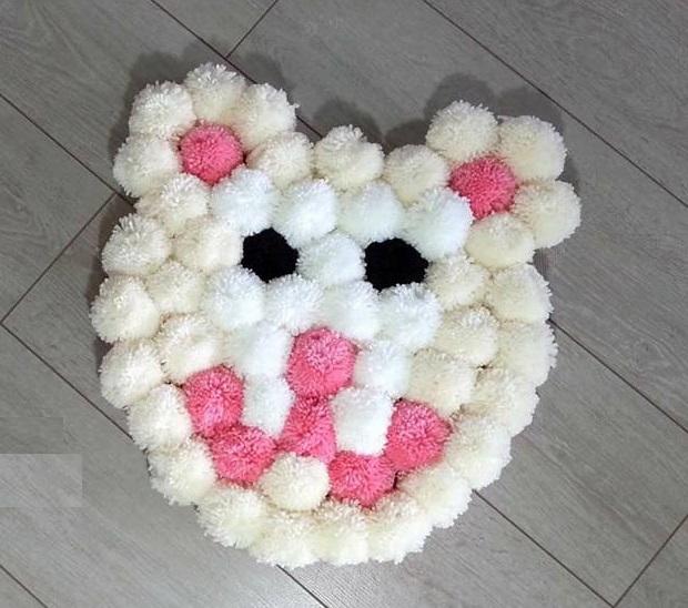 alfombra crochet-pompon-otakulandia.es (34)