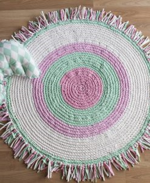 alfombra crochet-pompon-otakulandia.es (67)