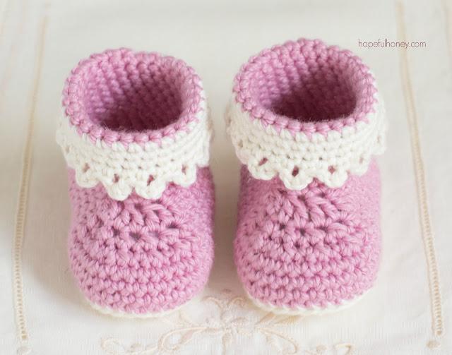 patucos bebe crochet-esquema-otakulandia.es  (2)