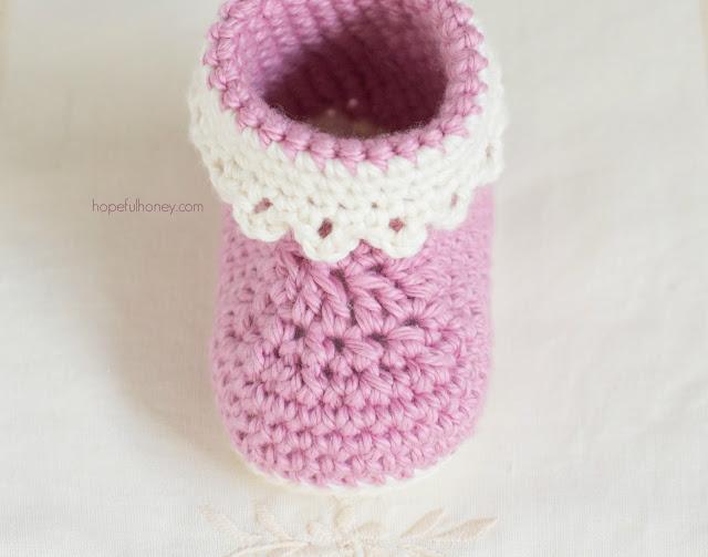 patucos bebe crochet-esquema-otakulandia.es  (3)