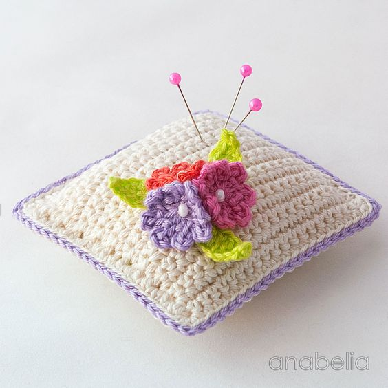 Small crochet flowers pincushion 3 by Anabelia