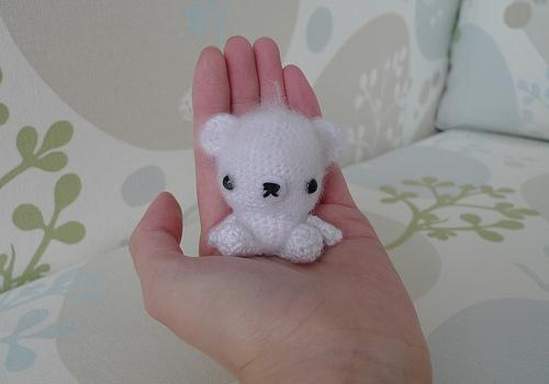 osito polar kawaii llavero crochet-otakulandia.es