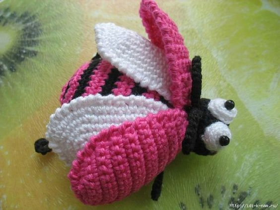 escarabajo crochet-otakulandia.es (3)