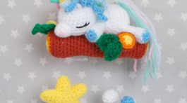 bebe unicornio-movil cuna-crochet-otakulandia.shop