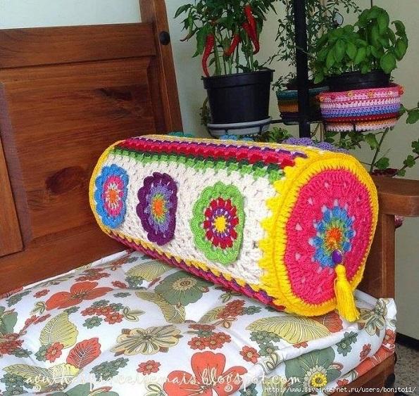 cojines-cubrepuertas-puff-crochet-otakulandia.es (1)