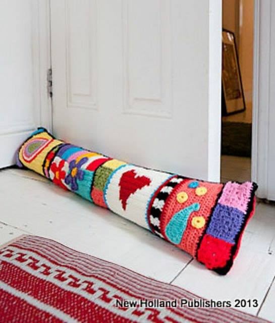 cojines-cubrepuertas-puff-crochet-otakulandia.es (2)