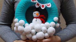 corona turquesa navidad-muneco nieve-otakulandia.shop (1)